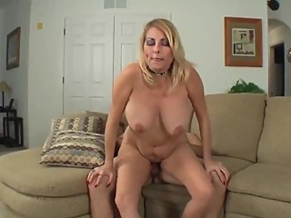 Naughty stepmom likes morning creampie from her stepson