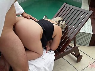 Hotwife fucking in club