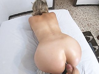 BUSTY BLONDE REDPILLGIRL GETS HUGE LOAD