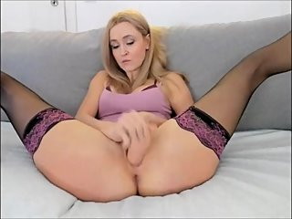 Mia - Dildofuck in Stockings