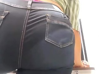 Woman with big ass  Full video on the link sshon.xyz/DGv6f