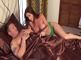 Rachel Steele MILF701 - Mom and Stepson shower incident