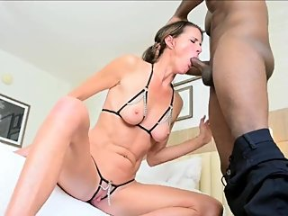 Bikini contestant Sofie Marie bribes judge Jack Blaque with a blowjob (FULL