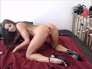 Felicia - Hot show with analplug and Heels