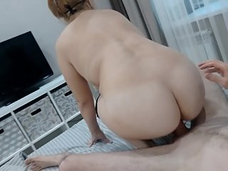 Hardfuck and unplanned cum in mom's pussy, BBW MILF rides dick homemade