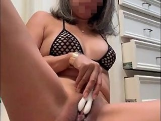 Asian MILF makes her fat pussy cum so hard with many orgasm contractions