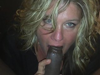 Baltimore Beauty MILF Suck BBC