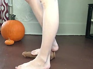 DILDO FEET TRAMPLE