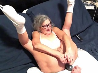 Hot Milf Enjoys Toying Her Wet Pussy Takes A Big Butt Plug In Her Ass