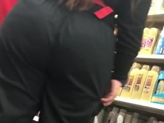 Latina Mommy Wife with Big BUBBLE BUTT candid!