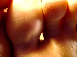 Dreena Rogue's Feet Close Up While Rubbing Nipples and Masturbating