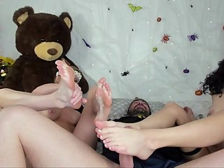 Double BJ w/ Footjob