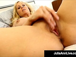 Busty Cougar Julia Ann Dildo Fucks Her Moist Muff!