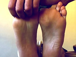 TICKLING MILF SOLES! WIFE LOVES TO BE TICKLED AND I LOVE TO TICKLE HER...