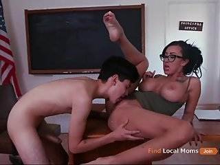 HUNGRY MILF AND ENERGY YOUNG BOY.